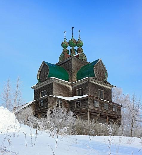 Wooden Dormition church, 1694, Nelazskoe, Vologda region, Russia : Stock Photo