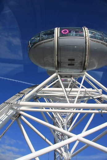 Stock Photo: 1597-95956 Great Britain, England, UK, United Kingdom, London, travel, tourism, London Eye, big wheel, landmark, attraction, people, gondola, cabin