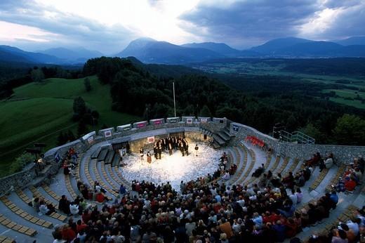 Austria, Europe, La Montanara Chor, concert, Burg Finkenstein, castle, Villach, Karnten, alps, State of Carintiha, Cho : Stock Photo