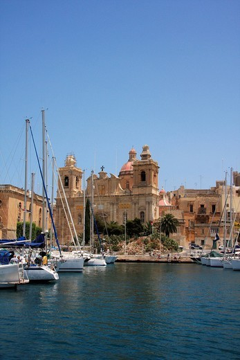 Malta, Valletta, Valetta, Travel, Grand harbor, marina, boats, ships, rampart, city wall, Vittoriosa, Front : Stock Photo