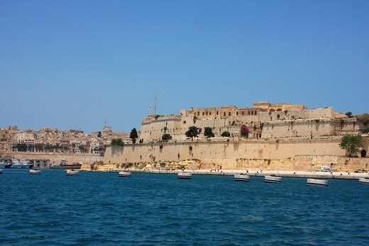 Malta, Valletta, Valetta, Travel, Grand harbor, marina, boats, ships, Fort, rampart, city wall : Stock Photo