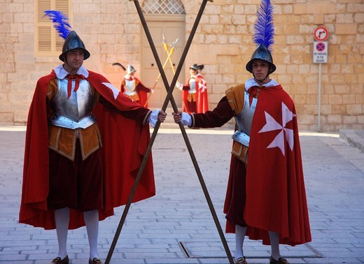 Stock Photo: 1597-98942 Malta, Mdina, old town, guard, suit of armour, knights, Folkore, no model release