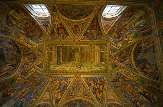 A frecoed ceiling by Raphael in the Hall of Constantine, Vatican Museum, Vatican City : Stock Photo
