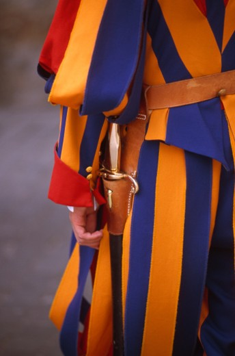 Stock Photo: 1598R-10010356 Vatican City, Swiss guard, mid section