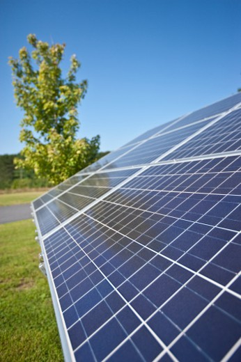 Stock Photo: 1598R-10018667 An array of Solar Panels