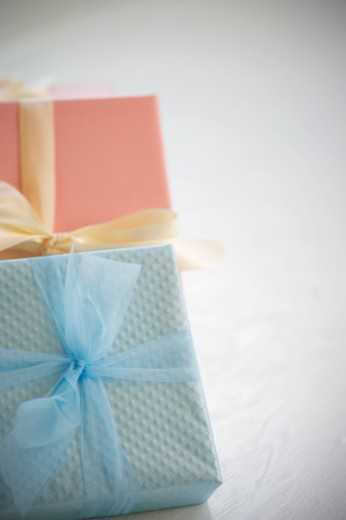 Stock Photo: 1598R-10023667 wrapped packages on white background