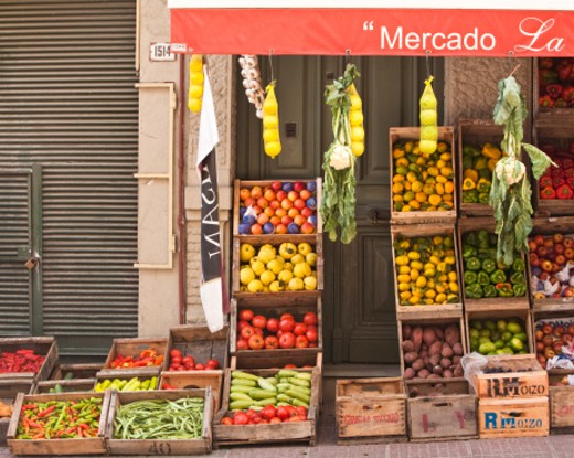 Stock Photo: 1598R-10024210 Fruit and vegetable stand, Montevideo