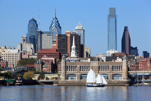 Downtown Philadelphia, Pennsylvania across the Delaware River : Stock Photo