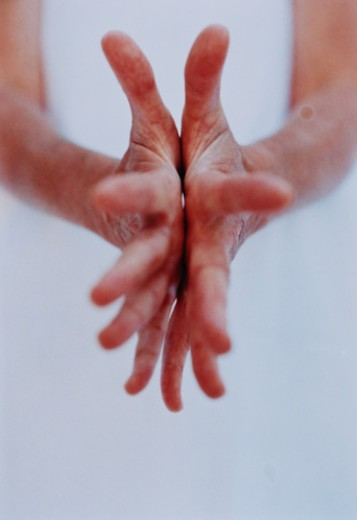 Stock Photo: 1598R-10041600 Hand and Reflection