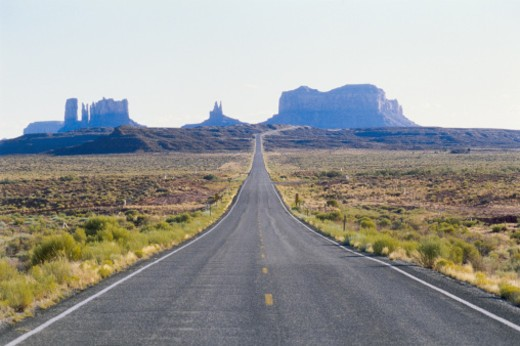Stock Photo: 1598R-10059819 USA, Arizona, Monument Valley, empty desert highway