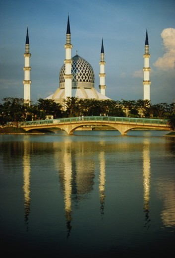Stock Photo: 1598R-10069781 Malaysia, Kuala Lumpur, Shah Alam Bei Mosque