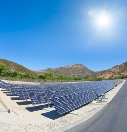 Stock Photo: 1598R-10078962 Solar Panel Array in Camarillo, California