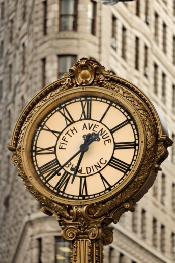 Stock Photo: 1598R-10081281 Flatiron buidling, 5th Avenue Clock, New York