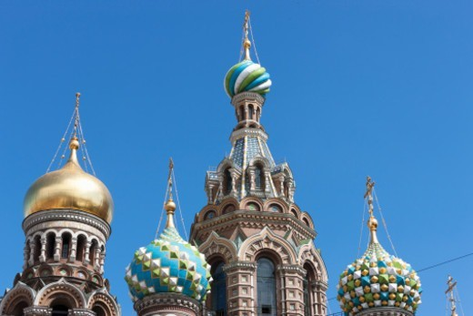 Stock Photo: 1598R-10081521 the highly ornate domes of the Church on Spilled Blood
