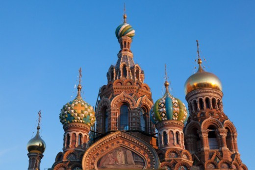 Stock Photo: 1598R-10081953 the decorative domes of the Church on Spilled Blood in warm evening light