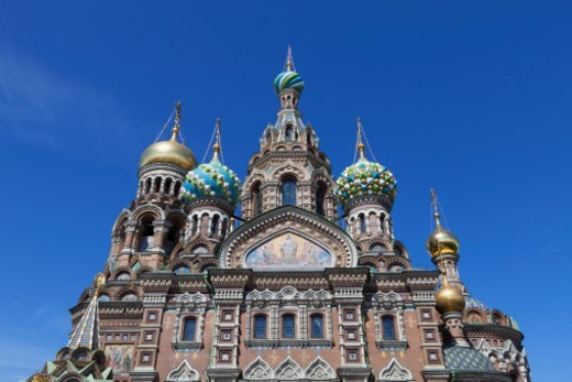 Stock Photo: 1598R-10081968 the colourful ornate domes of the Church on Spilled Blood