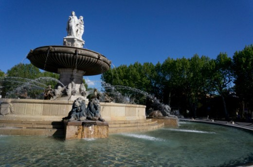 Fontaine de la Rotonde, square of General de Gaulle, Aix-en-Provence, France : Stock Photo