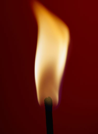 Stock Photo: 1598R-107760 Burning Matchstick