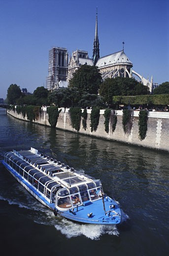 Stock Photo: 1598R-125432 Notre Dame Cathedral