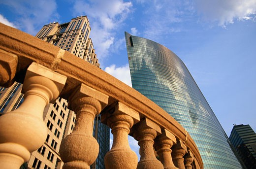 Balustrade and Skyscrapers in Chicago : Stock Photo