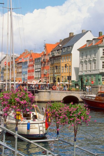 Stock Photo: 1598R-213299 Tourists at a sidewalk cafe, Nyhavn Canal, Copenhagen, Denmark