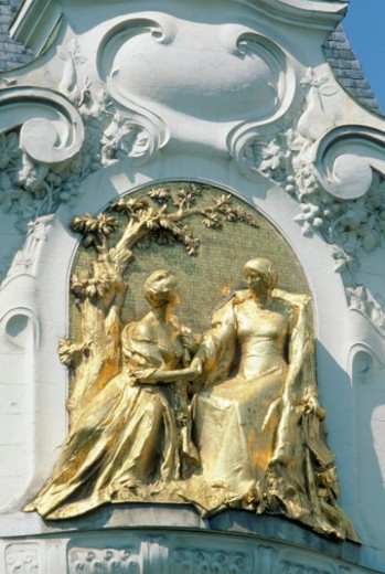 Close-up of gold leaf motif statue, Vienna, Austria : Stock Photo