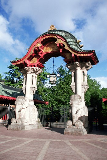 Stock Photo: 1598R-213814 Low angle view of the main gate of a zoo, Berlin, Germany