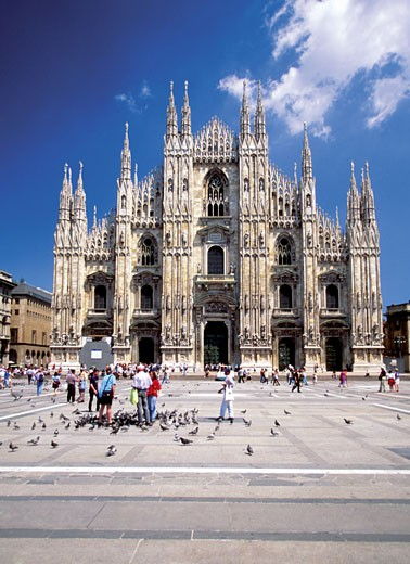 Facade of Piazza del Duomo, Milan, Italy : Stock Photo