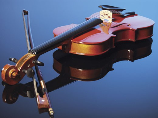 Stock Photo: 1598R-216745 Violin