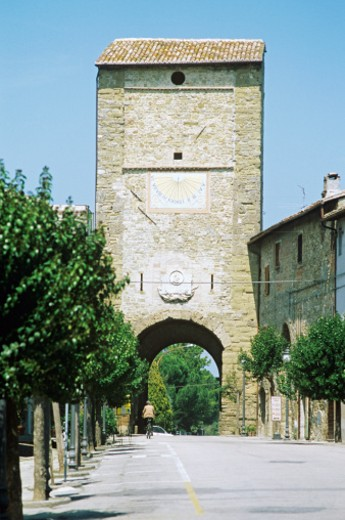 Italy, Province of Perugia, Bevagna, Town gate : Stock Photo