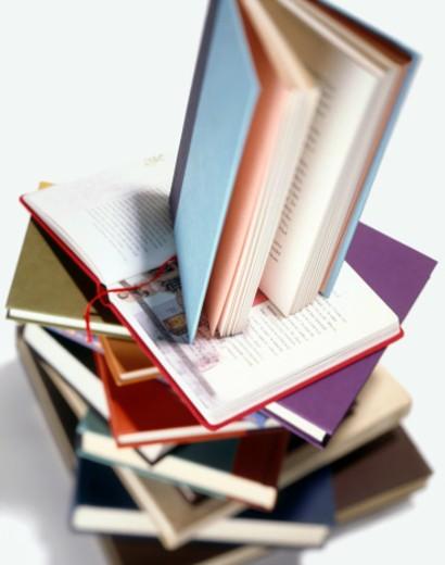 Stock Photo: 1598R-246999 Pile of books, studio shot, differential focus