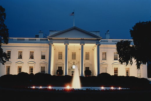 Stock Photo: 1598R-252527 White House at Night