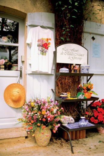 Stock Photo: 1598R-267084 Exterior of a shop, Giverny, Normandy, France