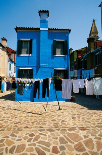 Stock Photo: 1598R-267445 Laundry hanging outside a house, Burano, Venice, Italy