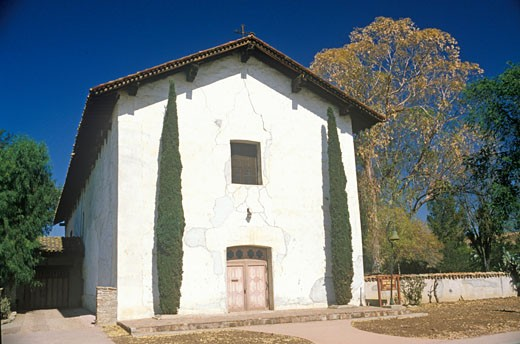Stock Photo: 1598R-9951937 The San Miguel Mission off the Ventura Highway in Central California