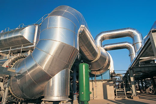 Stock Photo: 1598R-9971221 Metallic Pipelines in an Oil Refinery