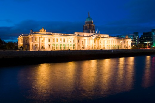 Ireland, Dublin, Custom House at night : Stock Photo