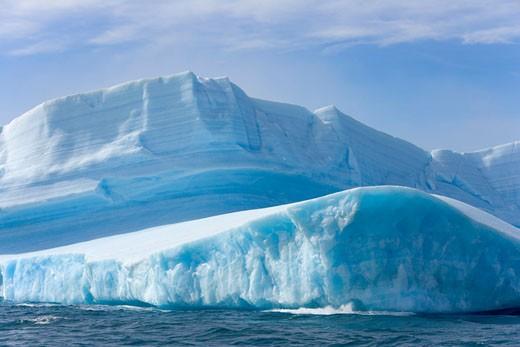 Stock Photo: 1598R-9984566 South Georgia, Cumberland Bay, iceberg
