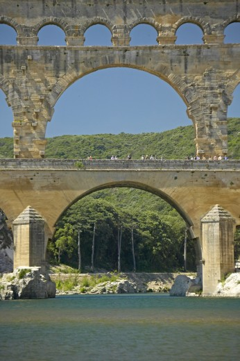 'Close up of River Gard and the Pont du Gard, Nimes, France' : Stock Photo
