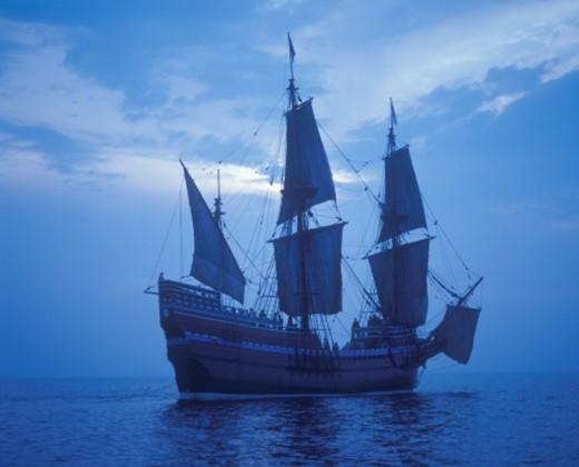 1620 Mayflower II replica Pilgrims Sail to New World : Stock Photo