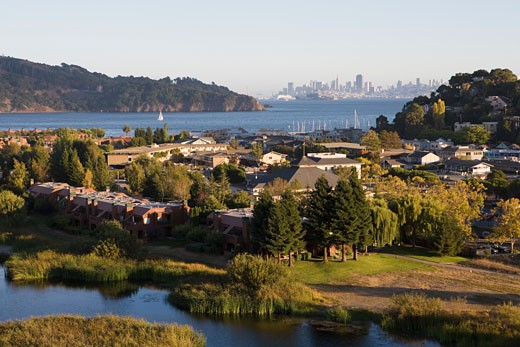 View of Tiburon facing downtown San Francisco, CA. : Stock Photo