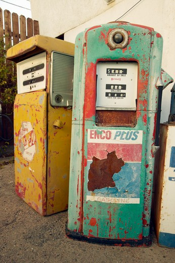 Stock Photo: 1599-10183 Historic vintage roadside motel on old Route 66 welcomes old cars and gas pumps in Barstow California