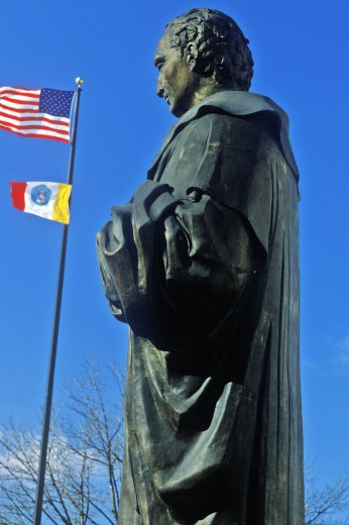 Statue of Christopher Columbus statue, Columbus, OH : Stock Photo