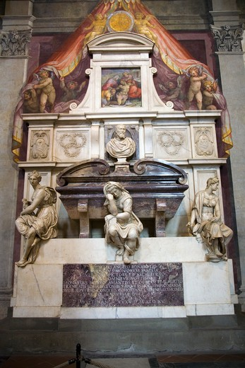 Tomb of Michelangelo di Lodovico Buonarroti Simoni in the Basilica of Santa Croce, Florence, Italy, Europe : Stock Photo