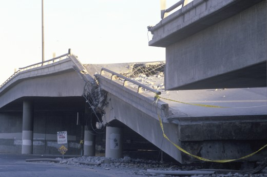 Overpass that collapsed on Highway 10 in the Northridge/Reseda area at the epicenter of earthquake in 1994 : Stock Photo