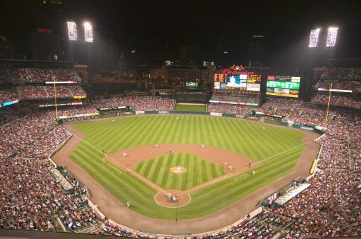 In a night game and a light rain mist, the Florida Marlins beat the 2006 World Series Champion baseball team, the St. Louis Cardinals 9 to 1, at the 3rd Busch Stadium, St. Louis, Missouri on August 29, 2006 : Stock Photo