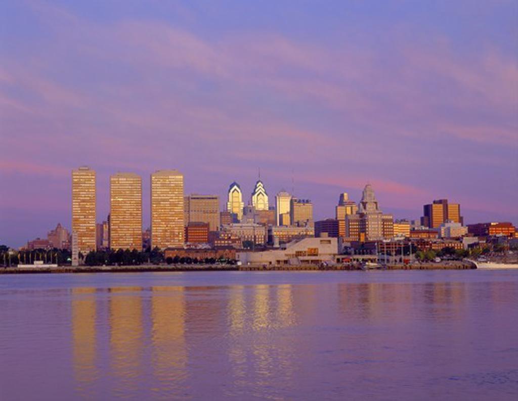 Stock Photo: 1599-9353 Philadelphia Skyline,Pennsylvania