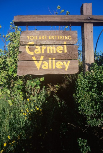 A sign that reads ?You are entering Carmel Valley? : Stock Photo