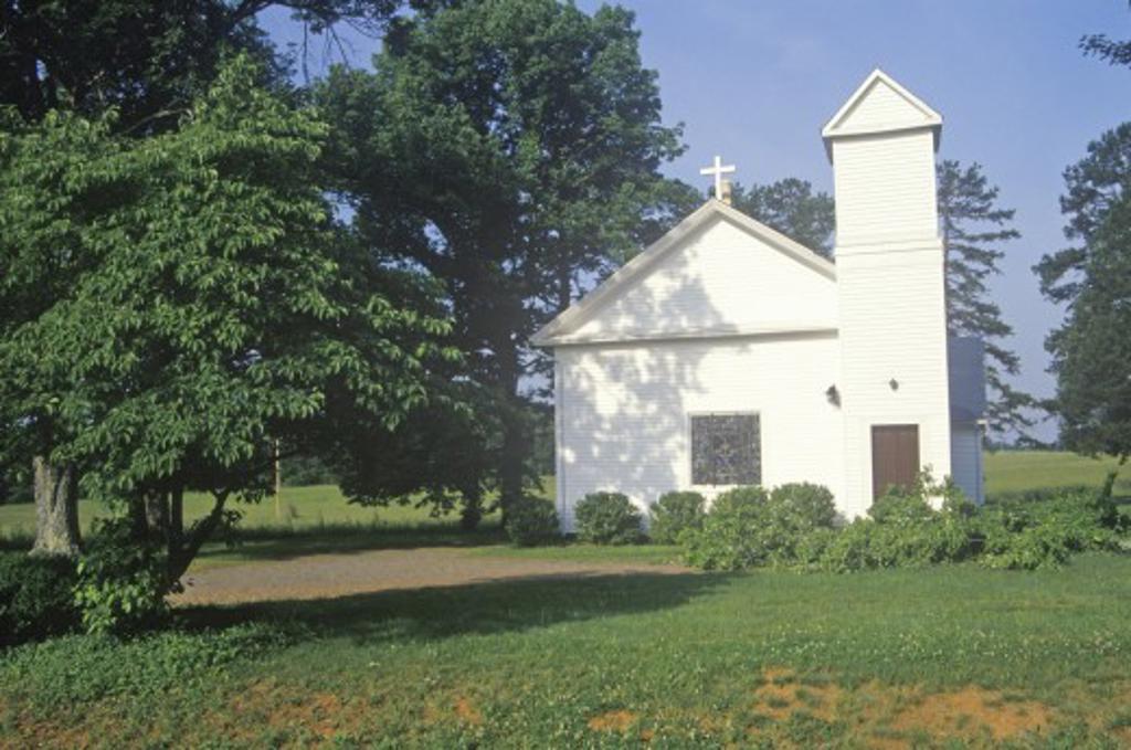 Stock Photo: 1599R-21621 A church in Virginia