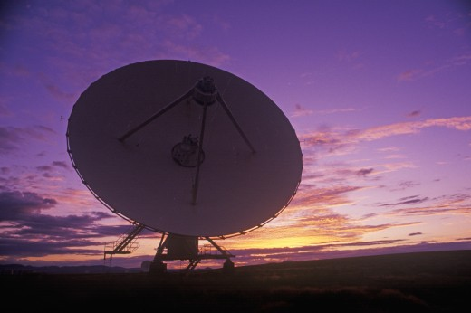 Stock Photo: 1599R-22143 Radio telescope dishes at National Radio Astronomy Observatory in Socorro, NM